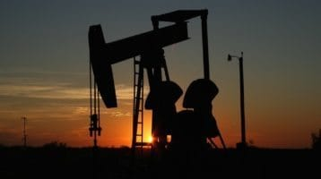 Stunning oil field photo at sunset, to illustrate the post 'oil and gas online marketing companies'