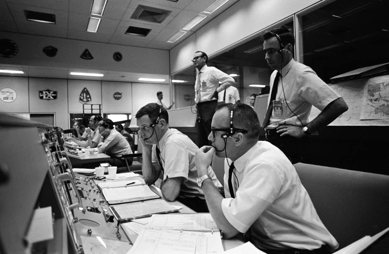 picture of the Apollo 10 control room.